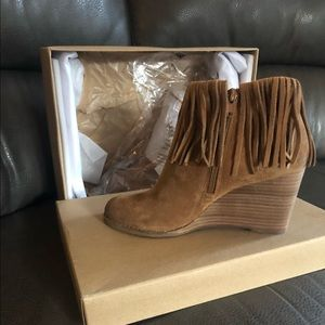 Lucky Brand Moccasin Wedge. Size 8